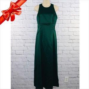 Long Sleeveless Formal Dress ~b0eu6p1u0